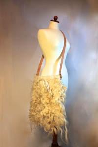 Laptop bag - raw fleece, with 3 inside pockets and cowhide straps
