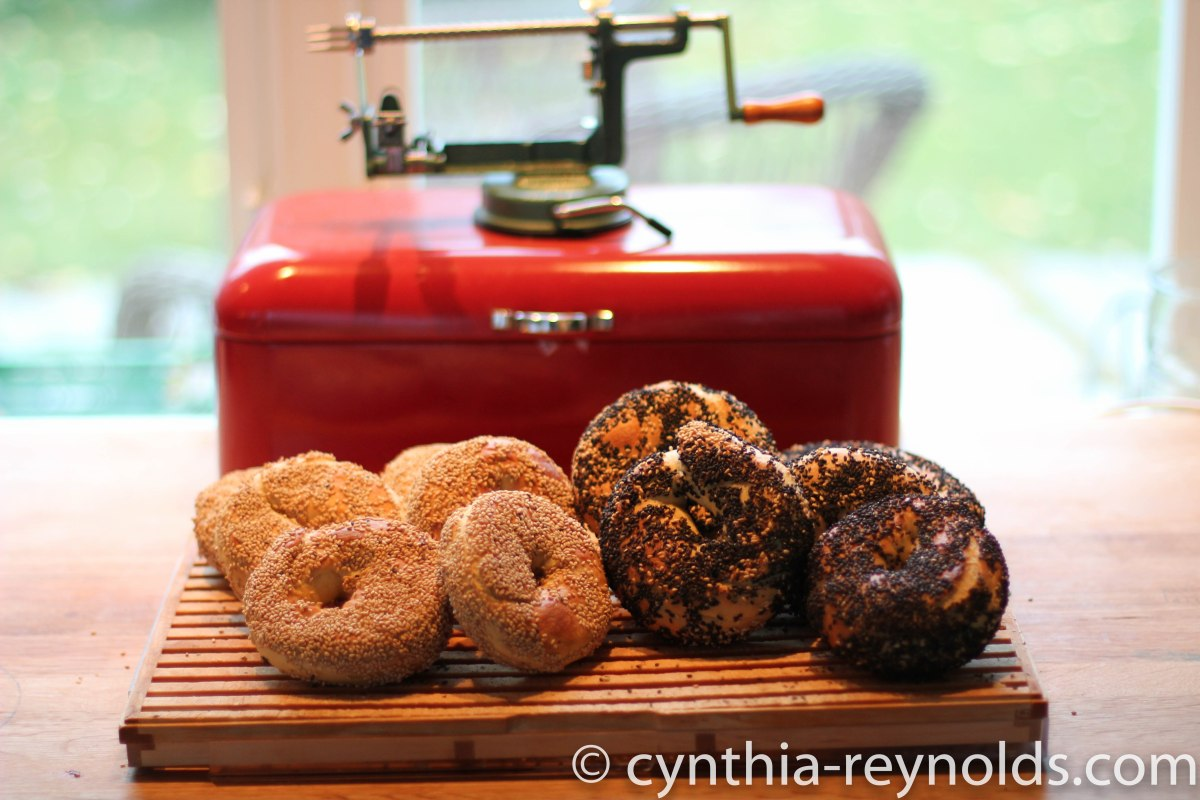 fresh hot bagels!